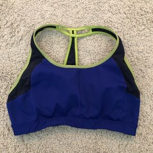 Athleta Push the Limit sports bra Size Medium